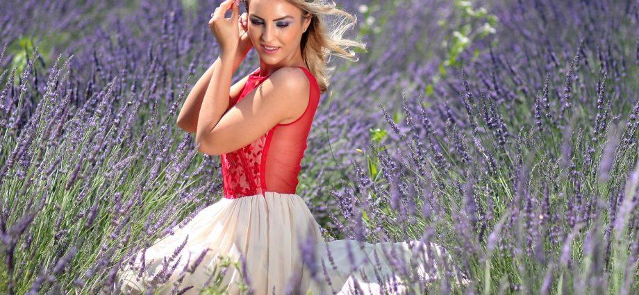 Jak dobrać sukienkę do figury?