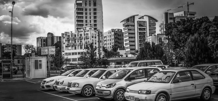Wypożyczanie samochodu: czy warto?