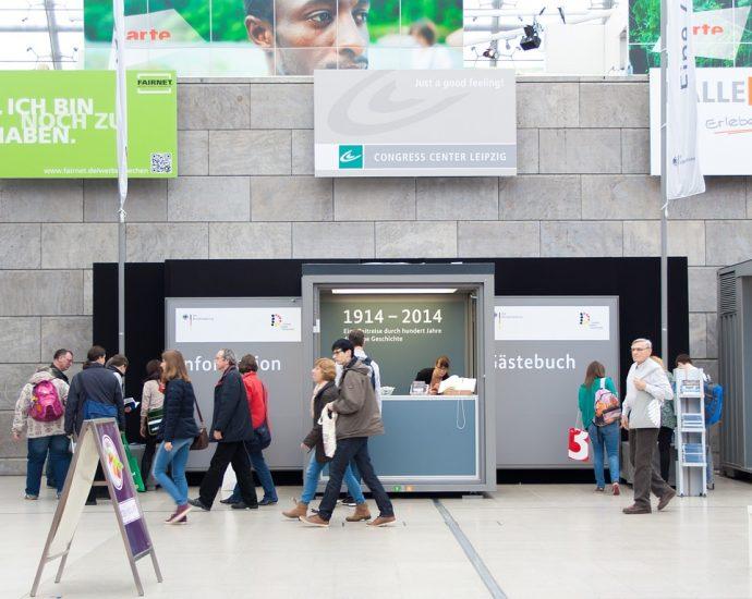 Systemy wystawiennicze i reklamowe: co warto o nich wiedzieć?